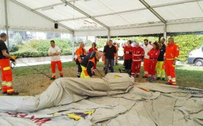 Volontari in esercitazione di Protezione Civile