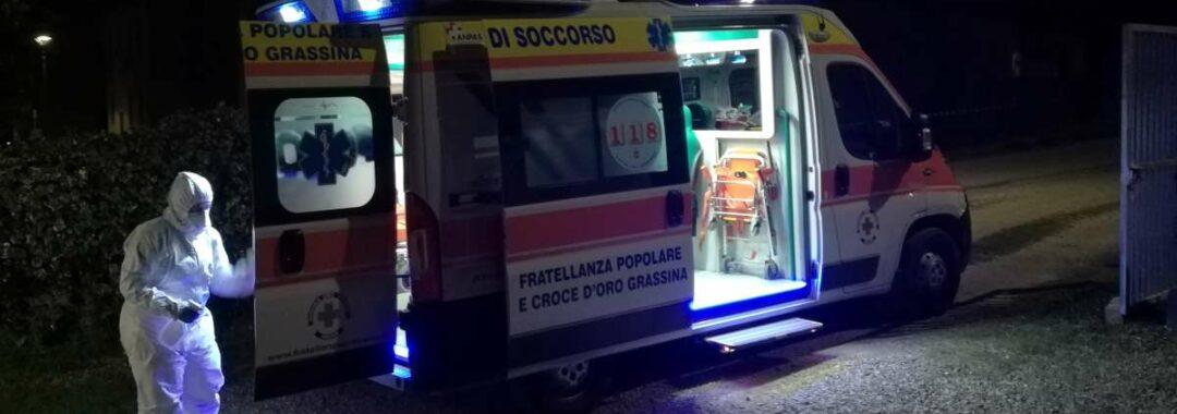 Ambulanza in sanificazione da covid