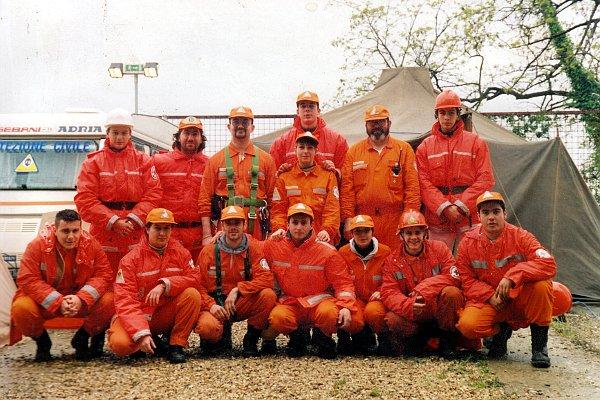 Gruppo all'esercitazione Protezione Civile Impruneta Anno 1994